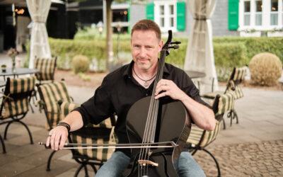 Trauung & Sektempfang | Hochzeit: Cello und Piano Duo oder einen Solisten buchen?